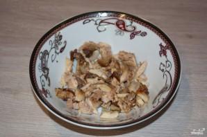Салат с курицей и черносливом - фото шаг 1