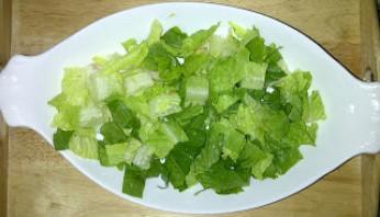 Овощной салат с сыром фета - фото шаг 3