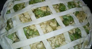 Слоеный пирог с курицей и брокколи - фото шаг 4