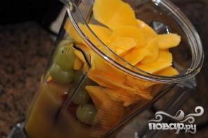 Витаминный напиток из киви, апельсина, винограда и манго - фото шаг 5