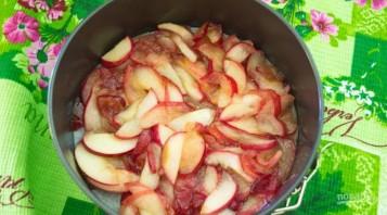Шоколадный манник с карамельными яблоками - фото шаг 5