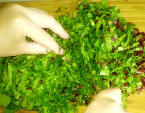 Осетинский пирог с листьями свеклы - фото шаг 1