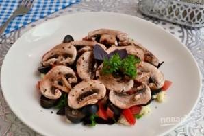 Овощной салат с сырыми шампиньонами - фото шаг 6