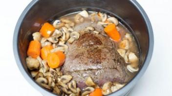 Картошка с мясом и грибами - фото шаг 2