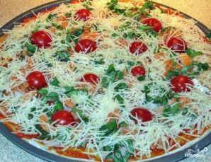 Пицца с красной рыбой - фото шаг 8