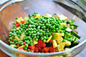 Запеченные овощи с грибами в духовке - фото шаг 5