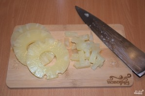 Салат с ананасом, и курицей, и шампиньонами - фото шаг 2