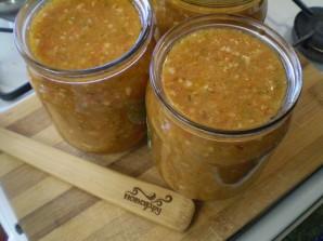 Аджика из помидоров и перца с чесноком - фото шаг 9