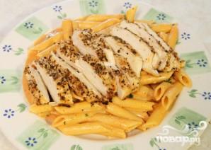 Курица-гриль с пастой и томатным соусом - фото шаг 7