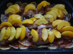 Курица с абрикосами в духовке - фото шаг 3