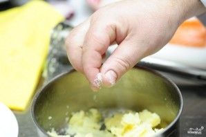 Картофельные зразы с мясом - фото шаг 2