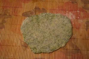 Лепешки с зеленью на сковороде - фото шаг 7