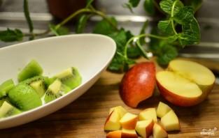 Фруктовый салат с орехами - фото шаг 8
