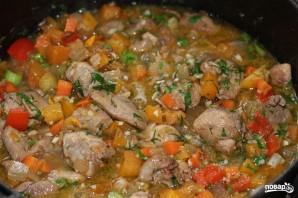 Овощи, тушенные с мясом - фото шаг 7