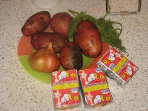 Сливочно-сырный суп с чесночными сухариками - фото шаг 1