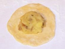 Пирожки с картошкой и грибами - фото шаг 7