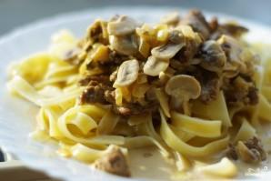 Говядина с грибами в соусе - фото шаг 7