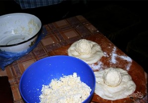 Хачапури с сыром и яйцом - фото шаг 3