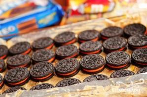 Пирожные с шоколадными печеньями и M&M's - фото шаг 3