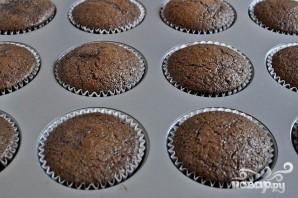 Шоколадные капкейки с арахисовым кремом - фото шаг 4