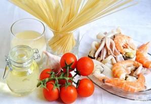 Спагетти с морепродуктами - фото шаг 1