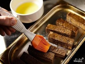 Гренки в духовке - фото шаг 2