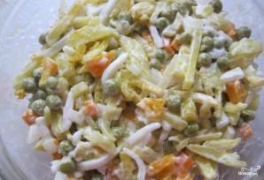Салат из кальмаров с горошком - фото шаг 5