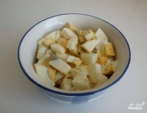 Салат из консервированной скумбрии - фото шаг 4