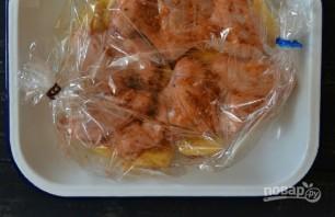 Крылышки с картошкой в рукаве в духовке - фото шаг 4