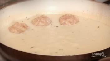 Куриные тефтели в молочном соусе - фото шаг 6