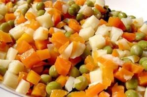 Салат из отварных овощей - фото шаг 4