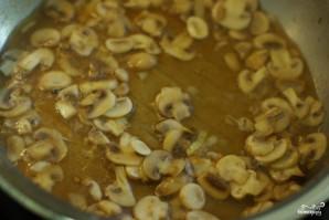 Говядина с грибами в соусе - фото шаг 5