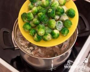 Суп с перепелами, брюсельской капустой и картофелем - фото шаг 4