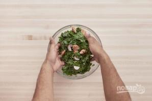 Салат с курицей и редиской - фото шаг 5