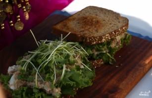 Сэндвич с тунцом - фото шаг 4