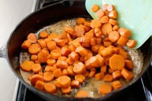 Молодая морковь, жаренная в карамели - фото шаг 11
