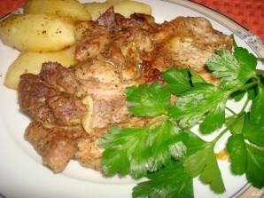 Картофель со свининой в духовке - фото шаг 7