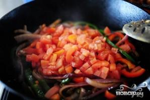 Феттучини с курицей, помидорами и болгарским перцем - фото шаг 4