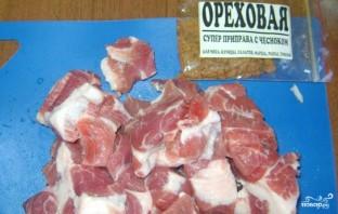 Свинина, тушенная в сметане в мультиварке - фото шаг 2