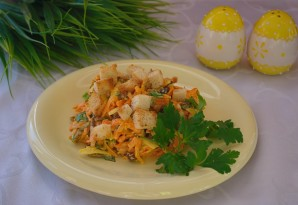 Салат с кириешками и сыром - фото шаг 7