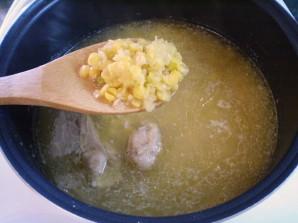 Гороховый суп с курицей в мультиварке - фото шаг 4