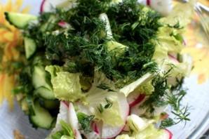 Летний салат с редисом и черемшой - фото шаг 3