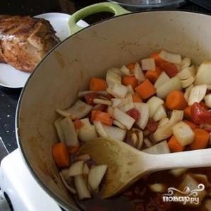 Сэндвичи со свининой, жареной в пиве с овощами - фото шаг 3