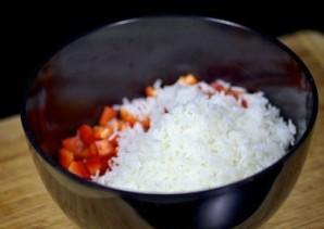 Салат из креветок, грибов и риса - фото шаг 6