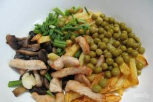 Салат с молодым картофелем и индейкой - фото шаг 4