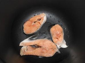 Рыба в мультиварке со сметаной - фото шаг 2