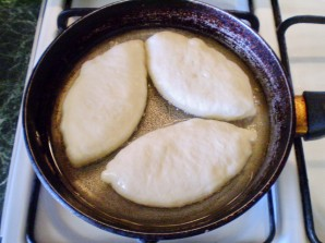 Пирожки с начинкой - фото шаг 12