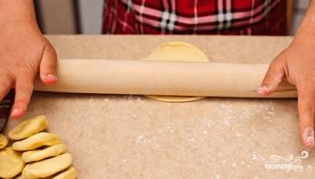 Самсы из слоеного теста с мясом - фото шаг 4