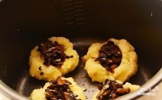 Картофельные шарики в мультиварке - фото шаг 6