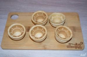 Тарталетки с икрой и сливочным сыром  - фото шаг 2